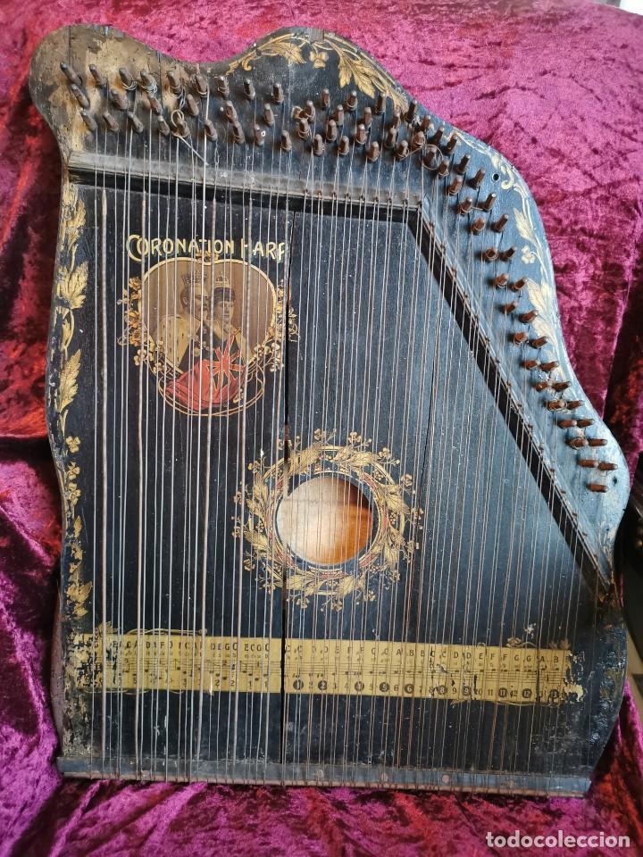 ESPECTACULAR CÍTARA O ARPA. CONMEMORATIVA DE LA CORONACIÓN DE EDUARDO VII DE INGLATERRA.1902.ÚNICA (Música - Instrumentos Musicales - Cuerda Antiguos)