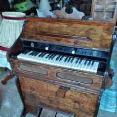 Instrumentos musicales: ANTIGUO ARMONIO ,DE MADERA NOBLE.. Lote 262641760