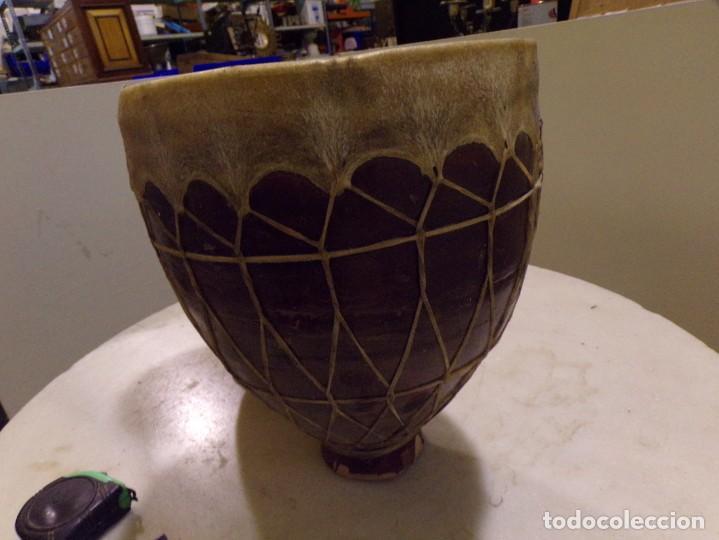 Instrumentos musicales: grande bongos tambores etnicos africanos de ceramica y piel en buen estado - Foto 4 - 262703575
