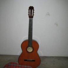 Instrumentos musicales: GUITARRA CLASICA CON SU FUNDA. LEYENDA. SPAIN.. Lote 263572565