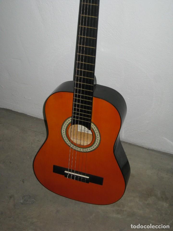 Instrumentos musicales: Guitarra clasica Clifton con curso de guitarra y funda. - Foto 9 - 263574670