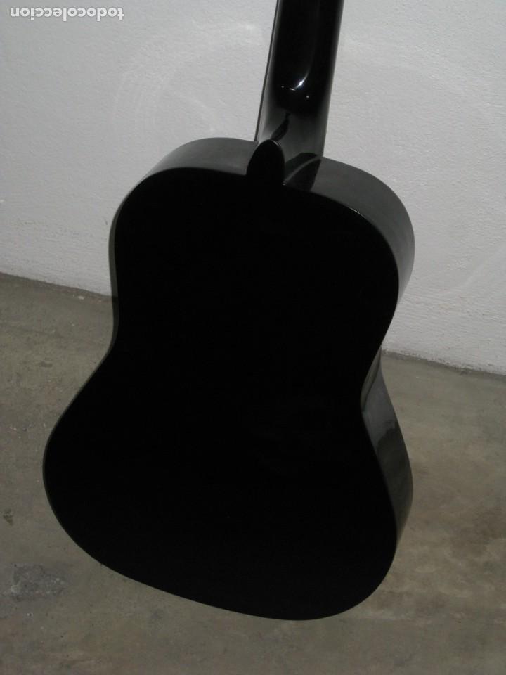 Instrumentos musicales: Guitarra clasica Clifton con curso de guitarra y funda. - Foto 12 - 263574670