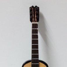 Instrumentos musicales: GUITARRA ESPAÑOLA - MINIATURA . ALTURA 15 CM. Lote 267265949