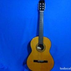 Instrumentos musicales: GUITARRA J. BONET CON FUNDA. VILLAFRANCA DEL PENEDES. 99 CM.. Lote 268431424