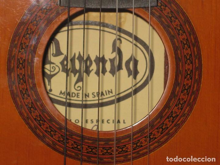 Instrumentos musicales: Guitarra clasica con su funda. Leyenda. Spain. - Foto 3 - 268889414