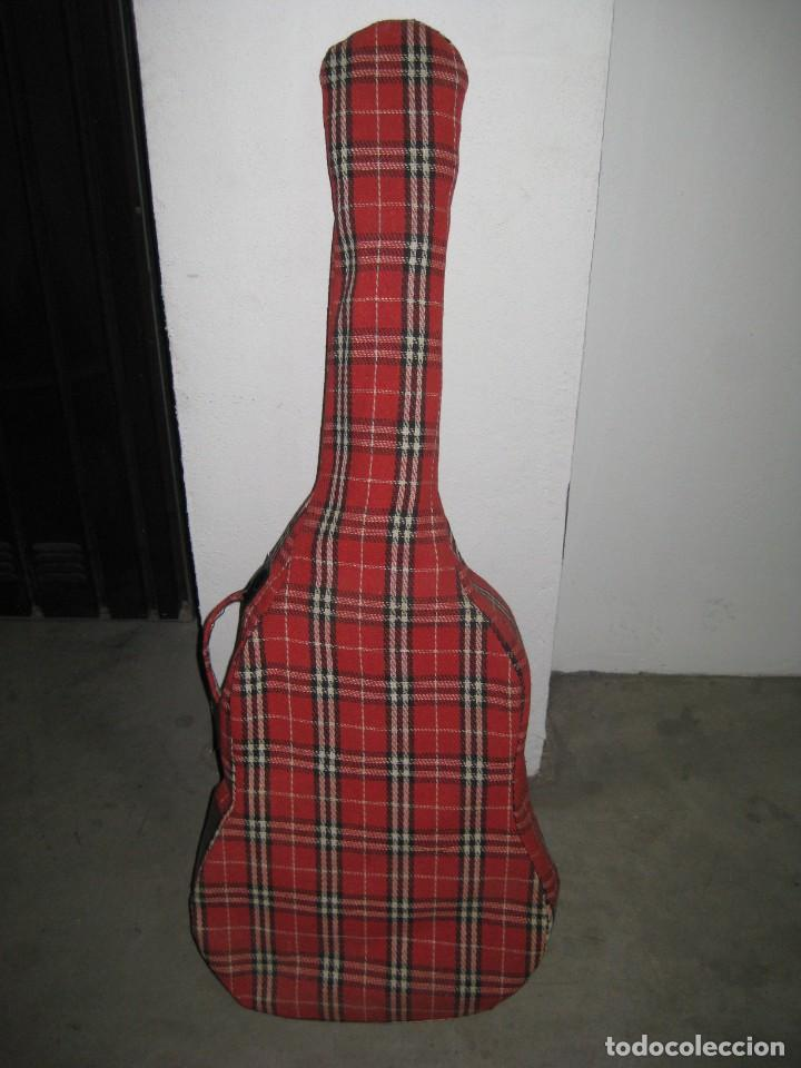 Instrumentos musicales: Guitarra clasica con su funda. Leyenda. Spain. - Foto 10 - 268889414