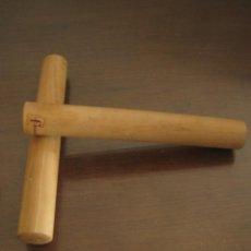 Instrumentos musicales: CLAVES. Lote 270525138