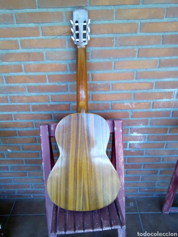 Instrumentos musicales: Magnífica guitarra española maciza. - Foto 2 - 273469378