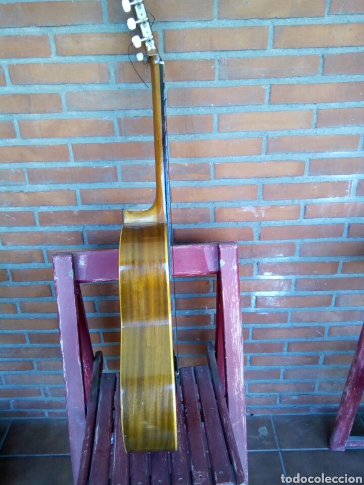 Instrumentos musicales: Magnífica guitarra española maciza. - Foto 7 - 273469378