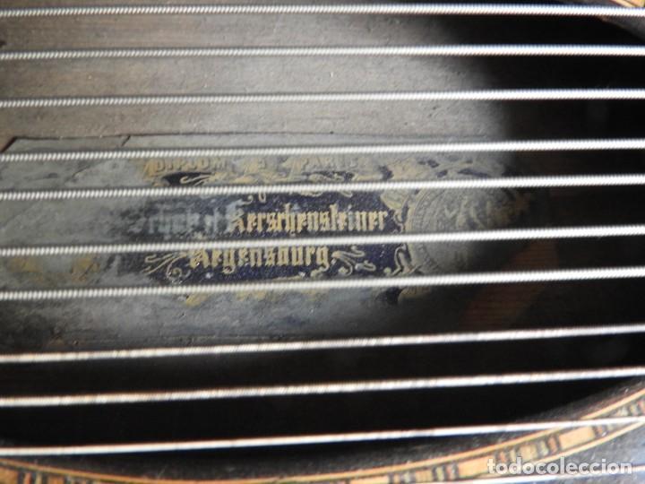 Instrumentos musicales: ANTIGUA CITARA CON MARQUETERIA DE KERSCHENSTEINER - Foto 3 - 273975998