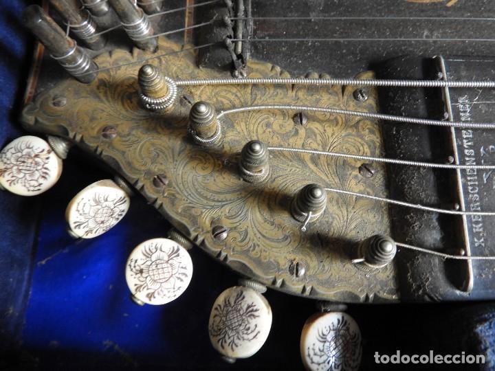 Instrumentos musicales: ANTIGUA CITARA CON MARQUETERIA DE KERSCHENSTEINER - Foto 5 - 273975998
