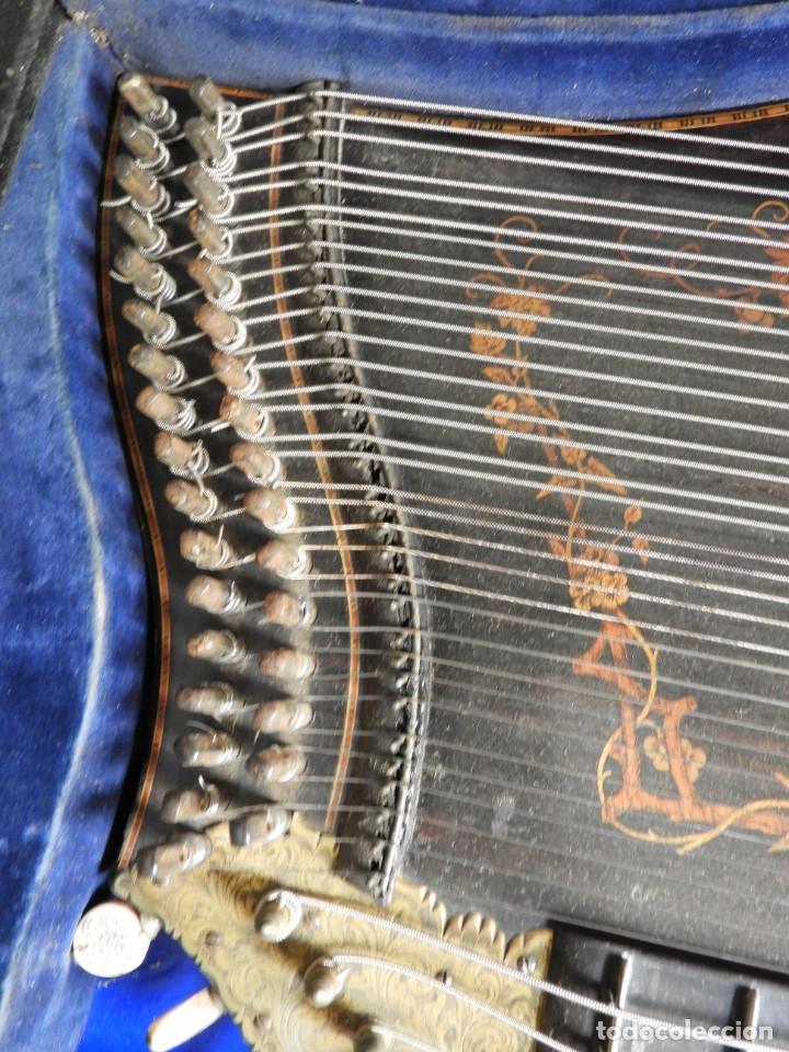 Instrumentos musicales: ANTIGUA CITARA CON MARQUETERIA DE KERSCHENSTEINER - Foto 9 - 273975998