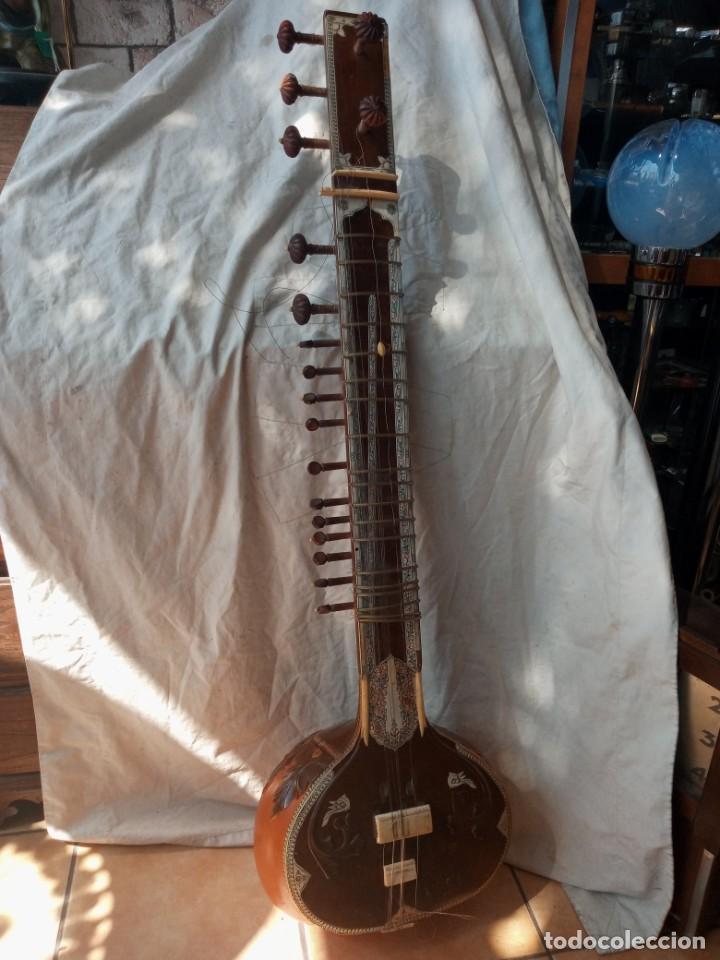 SITAR INSTRUMENTO TRADICIONAL INDIO (Música - Instrumentos Musicales - Cuerda Antiguos)