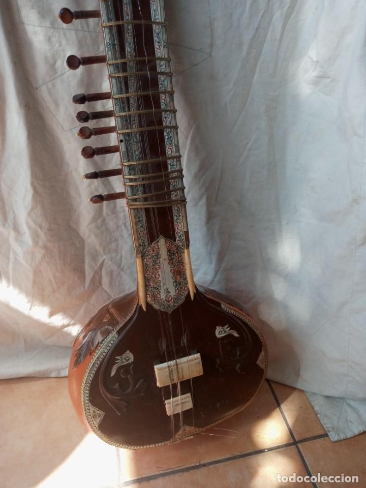 Instrumentos musicales: Sitar instrumento tradicional indio - Foto 2 - 274679103
