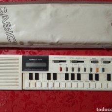 Instrumentos musicales: TECLADO CASIO VLTONE ANTIGUO AÑOS 70 CON SU FUNDA ORIGINAL MEDIDAS 30×7. Lote 275107343