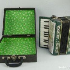 Instrumentos musicales: ANTIGUO ACORDEÓN RUSO MALIOSH TAMAÑO PEQUEÑO INFANTIL AUTENTICO INSTRUMENTO MUSICAL. Lote 275166223