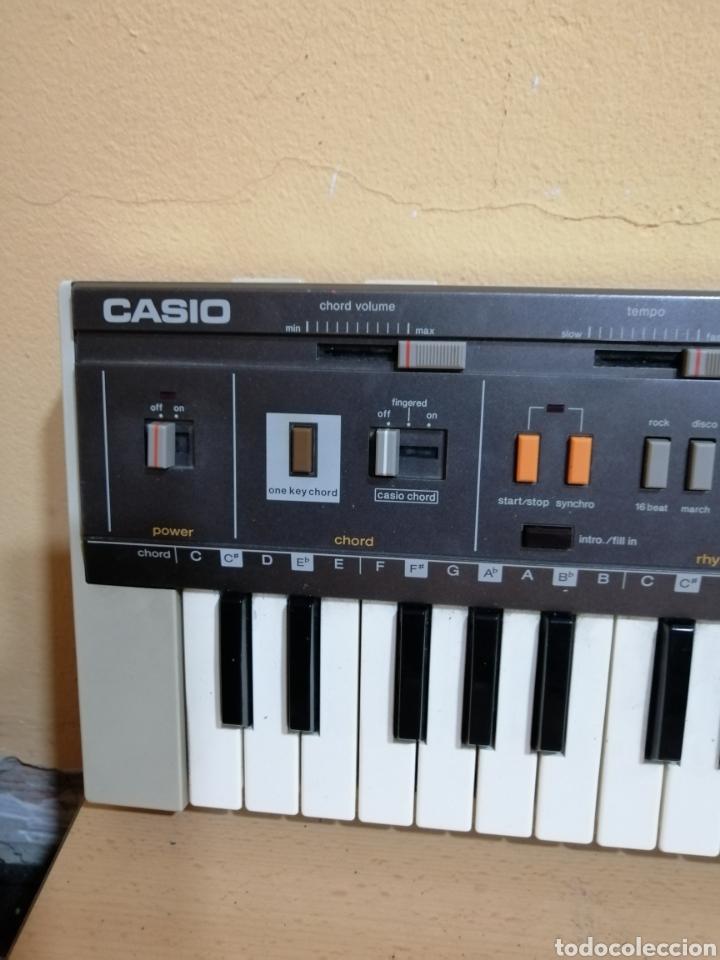 Instrumentos musicales: PIANO ELÉCTRICO CASIO MT_800 - Foto 2 - 275249013