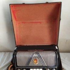 Instrumentos Musicais: ANTIQUÍSIMO ACORDEÓN ITALIANO CON FUNDA FUNCIONA. Lote 275291833