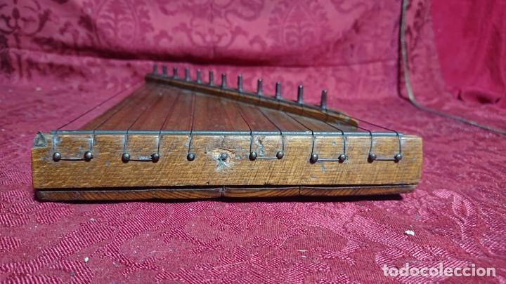 Instrumentos musicales: INSTRUMENTO MUSICAL DE CUERDA - ANTIGUA CITARA DE MADERA - - Foto 4 - 277024603