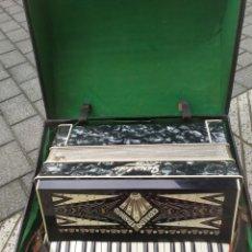Instrumentos Musicais: IMPRESIONANTE ACORDEÓN ANTIGUO CON INCRUSTACIONES. Lote 280493628