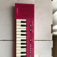Strumenti musicali: PIANO CASIO PT-1 ROSA OKE PLAY ORGANILLO TECLADO MADE IN JAPAN - NO FUNCIONA KREATEN. Lote 282981858