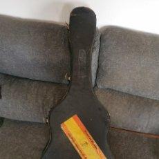 Instrumentos musicales: FUNDA DE GUITARRA RIGIDA, AÑOS 60. Lote 283648328