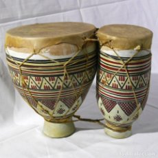 Instrumentos musicales: TAMBORES O TIMBALES EN CERÁMICA Y PIEL. Lote 284468898