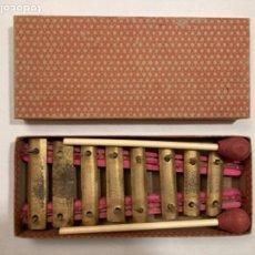 Instrumentos musicales: ANTIGUO XILÓFONO O XILOFÓN DE JUGUETE, AÑOS 50-60, CON SU CAJA EN PERFECTO ESTADO, COMO POR ESTRENAR. Lote 285155978