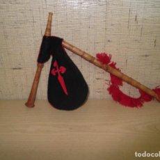 Instrumentos musicales: GAITA INFANTIL DE MADERA CON CRUZ DE SANTIAGO. Lote 286954248