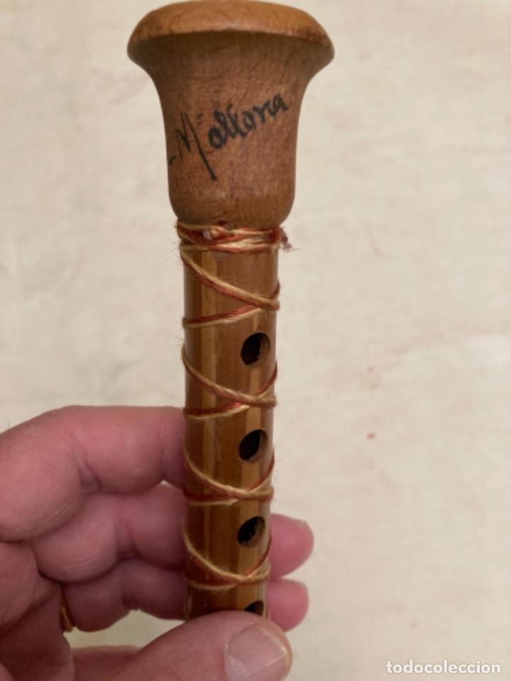 Instrumentos musicales: Bonita y curiosa flauta antigua, caña y madera, recuerdo de Mallorca. De colección - Foto 6 - 287091648