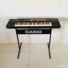 Strumenti musicali: TECLADO U ÓRGANO ELÉCTRICO CASIO CT - 510, CON PATAS, FUNCIONANDO, UNOS 97 X 48 CMS.. Lote 287554023