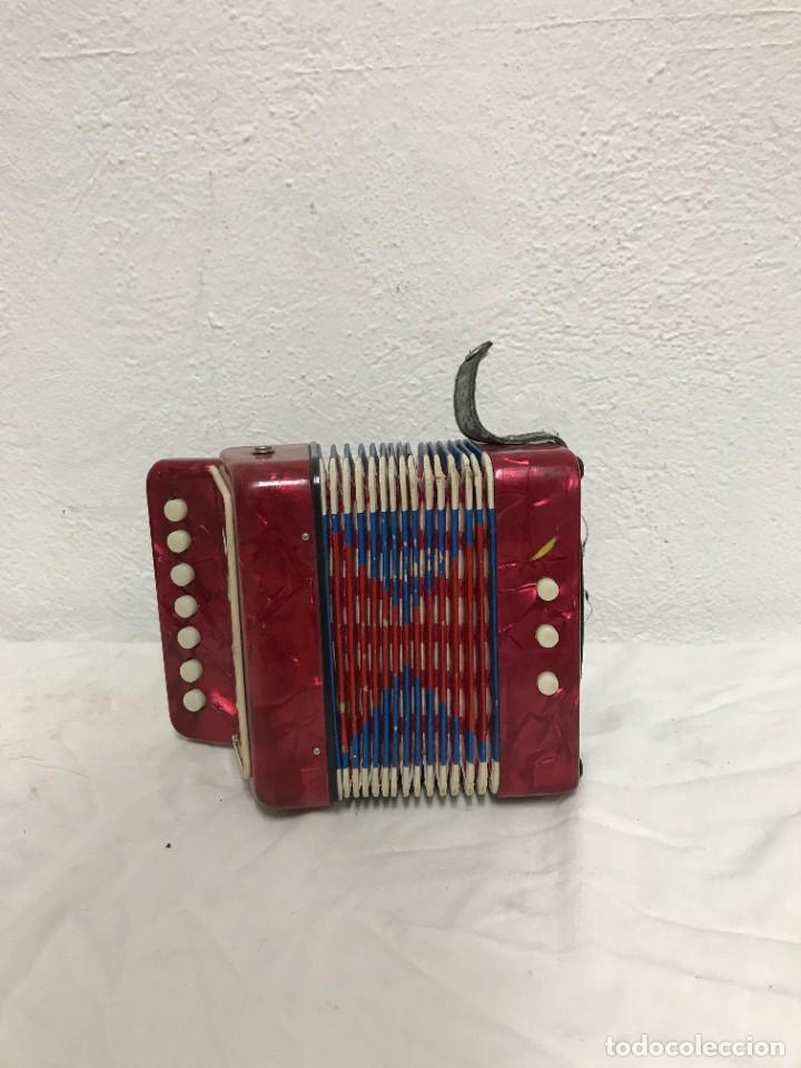 PEQUEÑO ACORDEÓN (Música - Instrumentos Musicales - Accesorios)