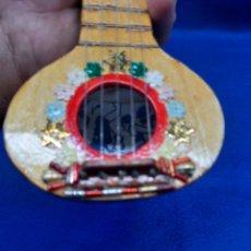 Instrumentos musicales: PEQUEÑO INSTRUMENTO HECHO CON CALABAZA. Lote 288574593