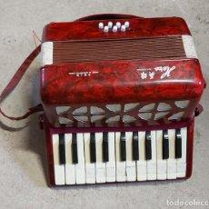 Instrumentos musicales: ACORDEÓN HERO. Lote 288648588