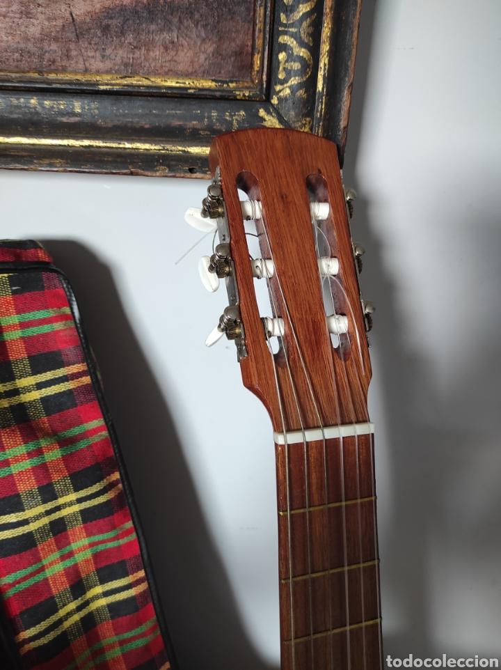 Instrumentos musicales: Guitarra años 60 de Francisco Broseta Roglá. Con su funda. Muy buen estado. - Foto 3 - 289590878