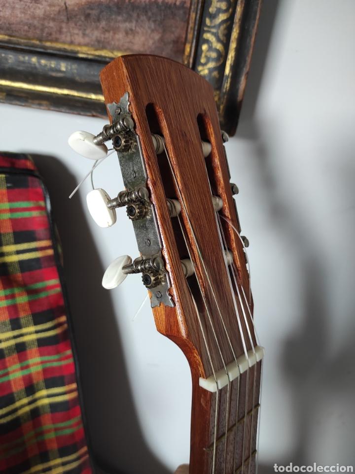 Instrumentos musicales: Guitarra años 60 de Francisco Broseta Roglá. Con su funda. Muy buen estado. - Foto 4 - 289590878