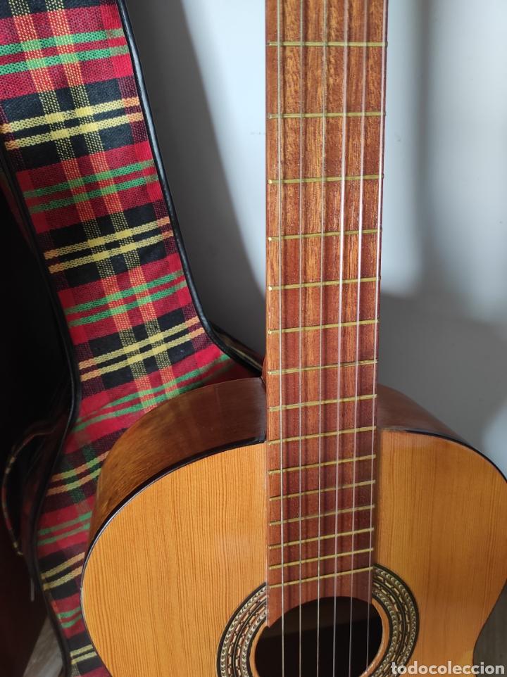 Instrumentos musicales: Guitarra años 60 de Francisco Broseta Roglá. Con su funda. Muy buen estado. - Foto 5 - 289590878