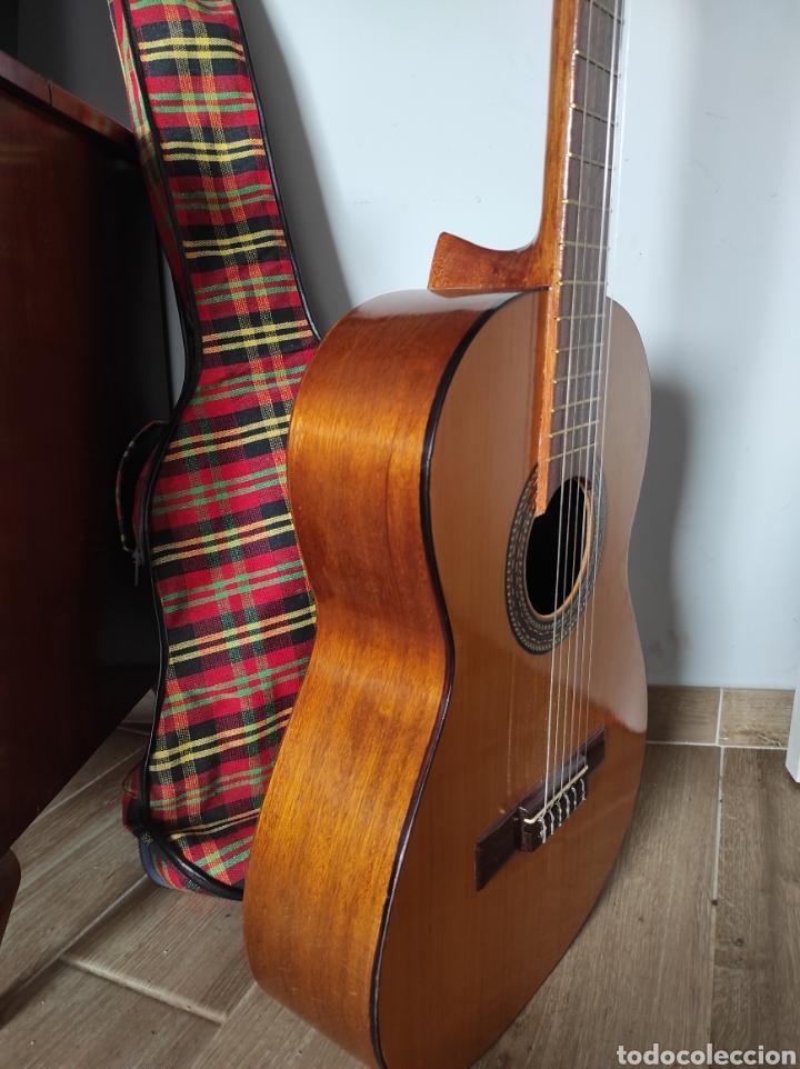 Instrumentos musicales: Guitarra años 60 de Francisco Broseta Roglá. Con su funda. Muy buen estado. - Foto 7 - 289590878
