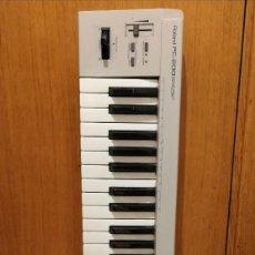 Instrumentos musicales: TECLADO CONTROLADOR - ROLAND PC-200 - MIDI KEYBOARD CONTROLLER - PITCH BEND MODULADOR. Lote 292279278