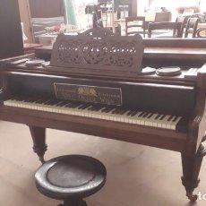 Instrumentos musicales: PIANO VINC OESER WIEN 1892. Lote 292381973