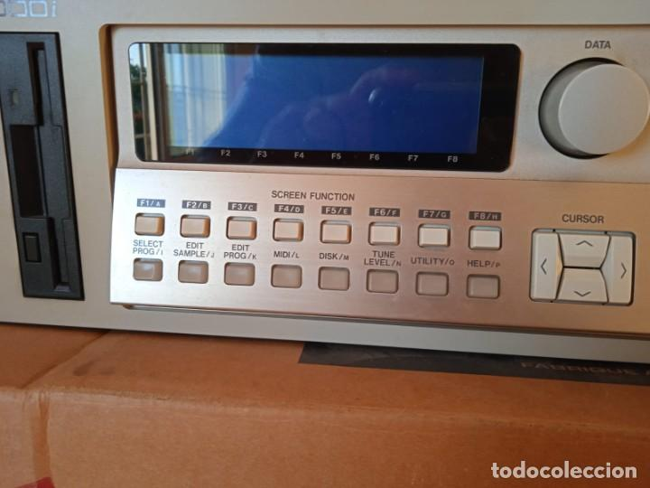 Instrumentos musicales: Akai S3000i - MIDI Stereo Digital Sampler- - Foto 3 - 293544213