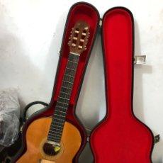 Instrumentos musicales: ANTIGUA GUITARRA PROFESIONAL CON SU MALETÍN. EXCELENTE ESTADO. VER FOTOS. Lote 294854038