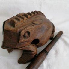 Instrumentos musicales: GRAN RANA MUSICAL MADERA.. Lote 294954878