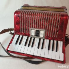 Instrumentos musicales: ACORDEON HOHNER STUDENT VM. Lote 295108158