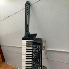 Strumenti musicali: KEYTAR TECLADO GUITARRA SINTETIZADOR+ CAJA?. Lote 295838223