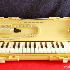 Instrumentos musicales: PIANO SUZUKI MELODION A-32 FUNCIONA BIEN. Lote 296600923