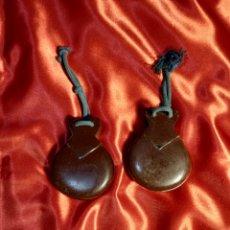 Instrumentos musicales: ANTIGUAS CASTAÑUELAS FILIGRANA. Lote 296912608