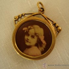 Jewelry - ANTIGUO COLGANTE CHAPADO EN ORO - 37352978