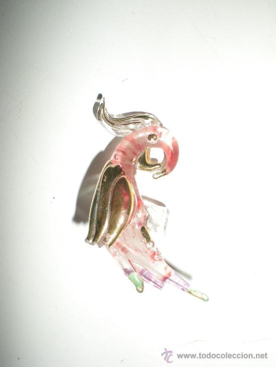 Joyeria: pequeño papagallo en cristal para unir pañuelo al cuello pintado en oro falta una puntita en el ala - Foto 2 - 38595597