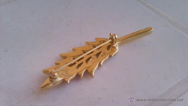 Joyeria: Bonito broche en forma de hoja con cristales swarovski. Sellado en la parte posterior. - Foto 4 - 44023622